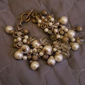Jewelry - Pearl beaded bracelet